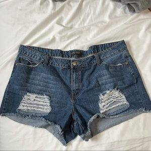 Forever 21+ jean shorts size 18 distressed